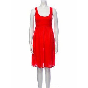 Scoop Neck Knee-Length Dress Red