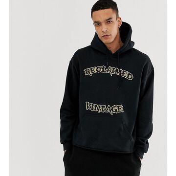 Reclaimed Vintage inspired varsity logo cropped hoodie