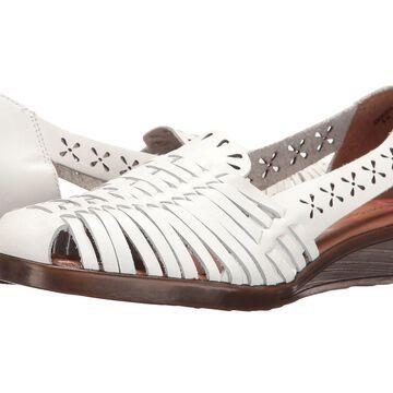 Comfortiva Womens Fairfax Leather Closed Toe Loafers