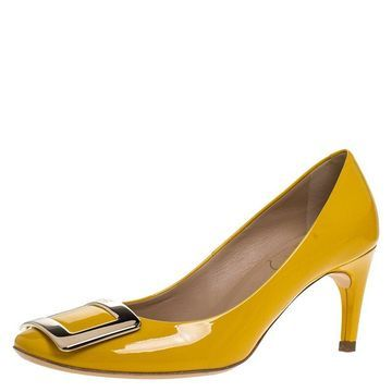 Roger Vivier Yellow Patent Leather Metal Logo Round Toe Pumps Size 35.5
