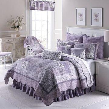 Donna Sharp Lavender Rose Quilt