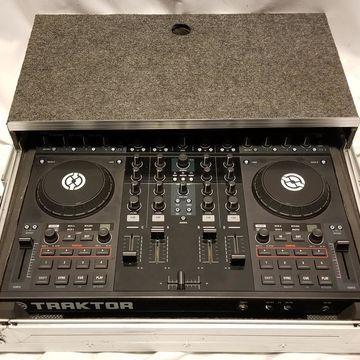 Used Traktor Kontrol S4 DJ Controller