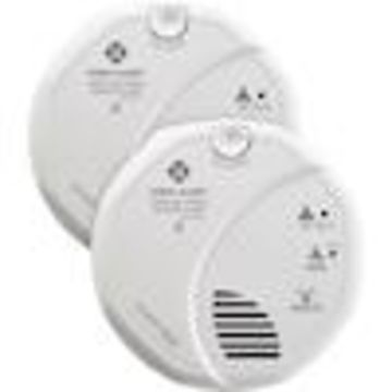 First Alert SCO500 2-Pack Battery-Powered Combination Smoke and Carbon Monoxide Detector with Battery Back-Up