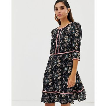 Liquorish floral shift dress with contrast piping
