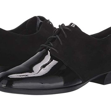 Munro Womens Markella Closed Toe Oxfords