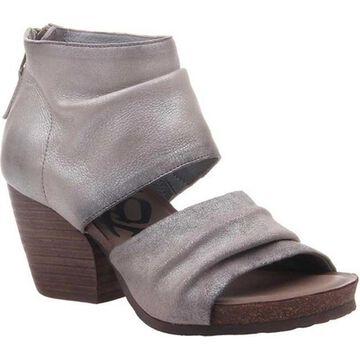 OTBT Women's Patchouli Heeled Sandal Bright Silver Metallic Leather