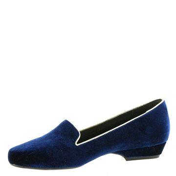 Beacon Womens Alexa Velvet Almond Toe Loafers