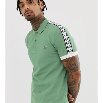 Fred Perry taped sleeve polo in green