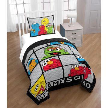 Sesame Street Hip Elmo Twin/Full Quilt